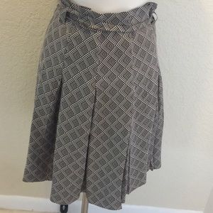 Banana Republic geometric print silk pleated skirt