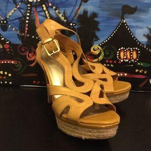 Fergie Shoes - 👠 Fergie Shoes 👠