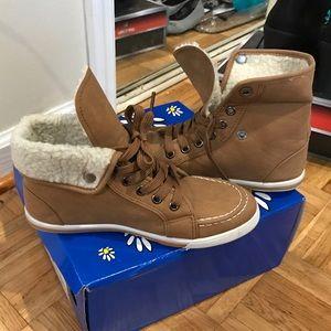 Pierre Dumas Shoes - Warm, flat, tan, comfortable shoes