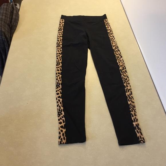 92274325cdf10 PINK Victoria's Secret Pants   Vs Pink Leggings Cheetah Leopard ...