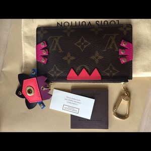 Louis Vuitton pochette cles totem