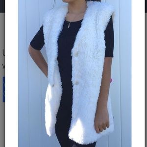 Collection B Jackets & Blazers - NWT! Faux fur vest in ivory
