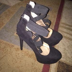Equipe Shoes - Heels 😬