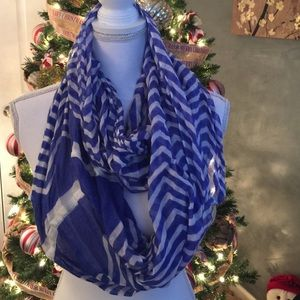 Charming Charlie Accessories - Blue & white infinity scarf 💙