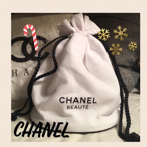 10b15763dcd3 CHANEL Handbags - ⚡️SALE⚡️Chanel BEAUTE VIP gift Makeup Pouch