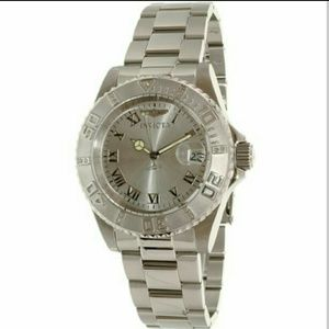 Invicta  Accessories - Invicta $895 Diamond watch accented watch