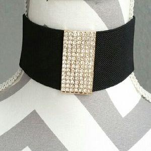 Jewelry - Sexy wide banded choker with rhinestone pendant