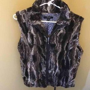 Women's Medium (8-10) Faux Fur Vest