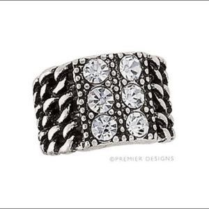 Premier Designs Grand ring