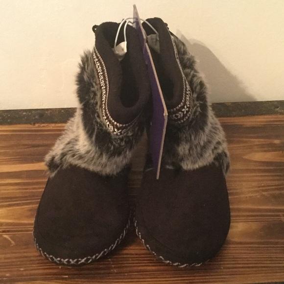 Shoes   Madden Girl Slippers   Poshmark