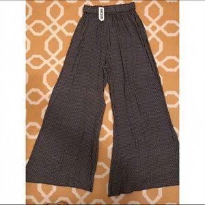 Brandy Melville Dandelion Pants. One Size