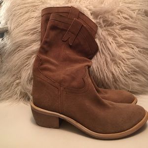 Diba Shoes - Brand new Diba genuine suede boots size 7