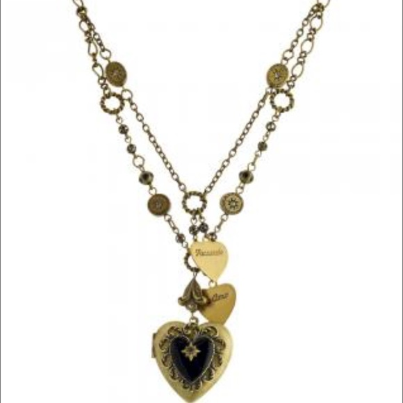 Jewelry - LARGE Antique Locket Necklace