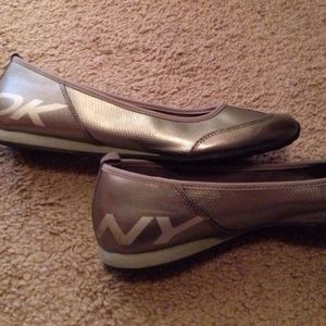 DNY Shoes - DYN Silver and Bronze flats