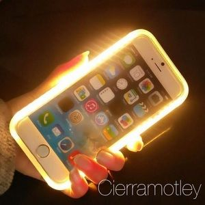 Accessories - ‼️1 HR SALE‼️Light Up Selfie Light Case W/ Charger