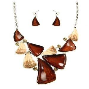 Jewelry - New- Brown Necklace Set