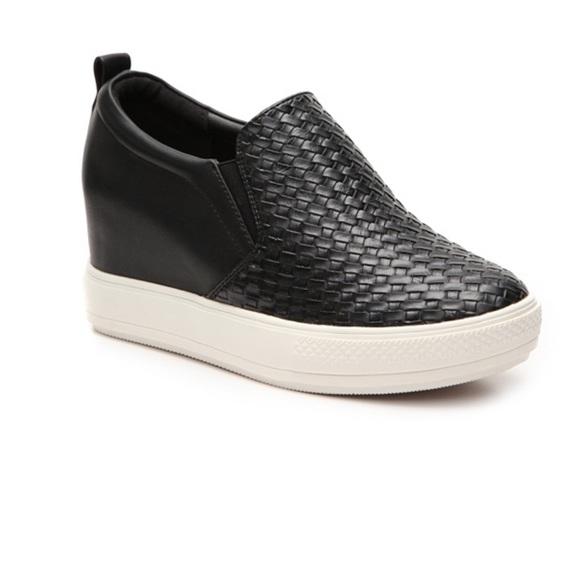 2d67fecd507 Fantastic WANTED Biscotti Slip-on Wedge Sneaker 7.  M 584aa9064e8d171c4401edf4