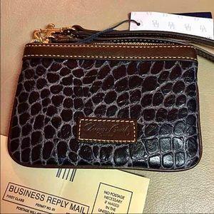 Dooney & Bourke Handbags - NWT DOONEY & BOURKE Wristlet