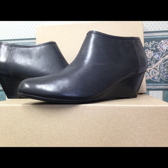 b291766bfbe New Clarks Boots Abby Brielle, black gray NWT