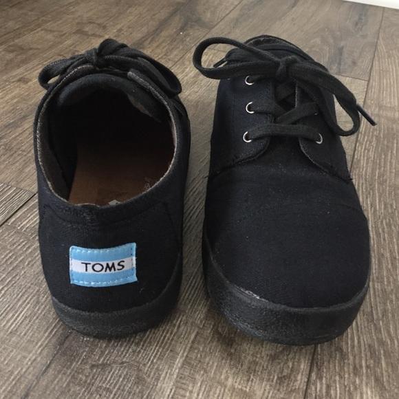 Black Toms Tennis Shoes   Poshmark