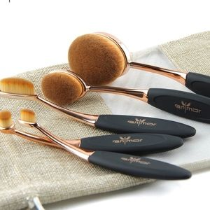 Other - ‼️1 HOUR SALE‼️Rose Gold 10Pc Makeup Brush Set ✨