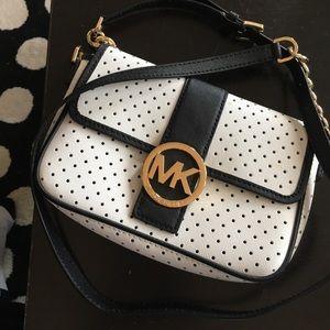 Auth like new Michael Kors crossbody leather bag