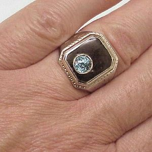 Other - Men's 10k gold natural 1.00ct blue Zircon ring
