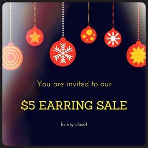 Jewelry - $5 earrings sale