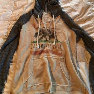 Tops - California hoodie