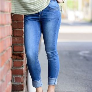 NWT Light Wash Skinny Jeans 