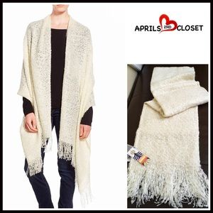 Nordstrom Accessories - ❗1-HOUR SALE❗BLANKET WRAP LONG SCARF Cape Shawl