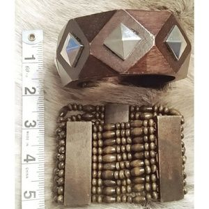 Jewelry - Pair of Wooden Bracelets brown Silvertone 2