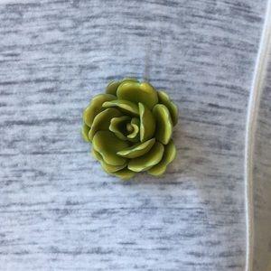 Jewelry - Vintage green flower statement pin brooch