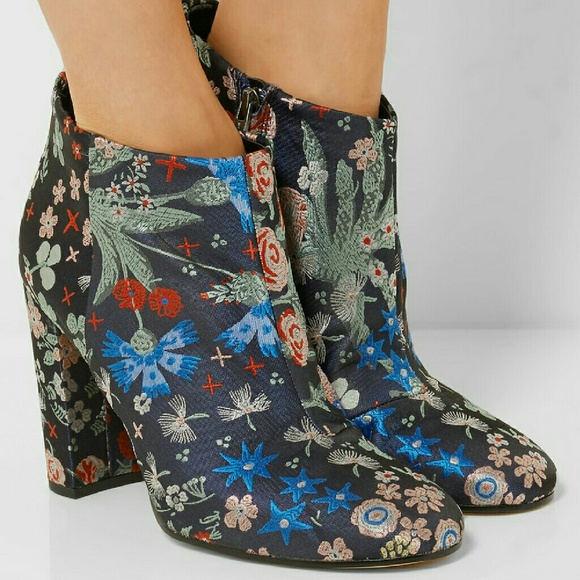 33e0aae88d1d6c NEW Sam Edelman Embroidered Campbell Booties