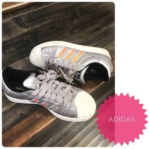 Adidas Shoes - 🔴SALE✂️$99🎈🆕Rare Adidas superstar sneakers