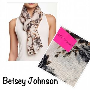 Betsey Johnson Cream Knit Floral Scarf- New