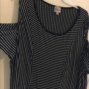 como vintage Tops - Sz 2X black& White striped cold shoulder top