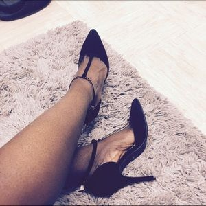 Anne Michelle Shoes - Anne Michelle Suede Black Pointed Heels