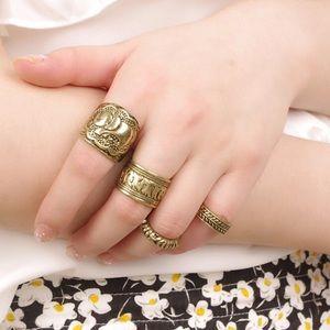 Jewelry - Four piece Ring Set