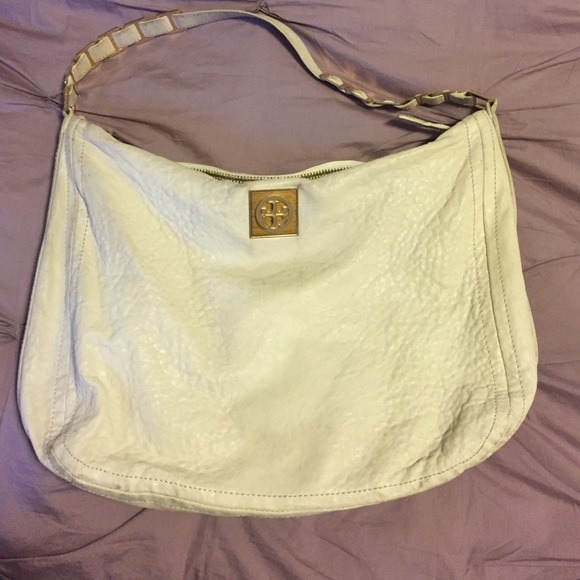 cd8a8e8707b4 Tory Burch cream leather hobo handbag. M 584c18646d64bc22a103519b