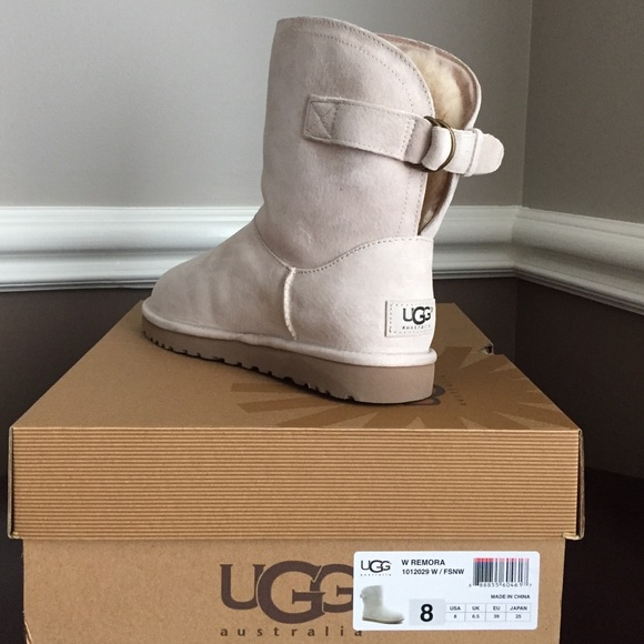 787d28383a2 Ugg Remora suede boot winter white or light sand NWT