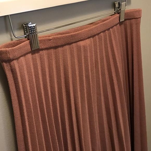 Vintage Skirts - Talbots Vintage Taupe Pleated Elastic Midi Skirt 8
