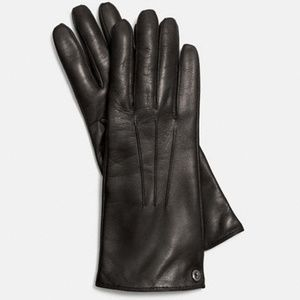 Coach butter soft Iconic leather gloves. New.