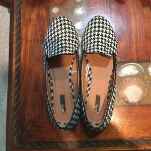 US size 9 women's houndstooth flats