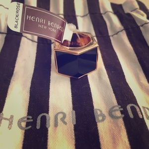 henri bendel Jewelry - Henri Bendel Ring
