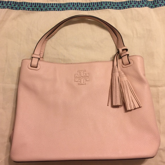 522fc4631ae   SALE  Tory Burch Thea Center-zip Tote. M 584d8bb756b2d605540164bd