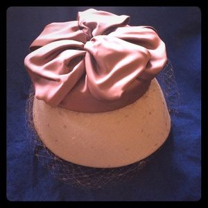 Vintage, retro 1960s rose silk and wool hat