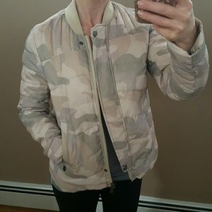 Super soft down camouflage puffer bomber jacket S