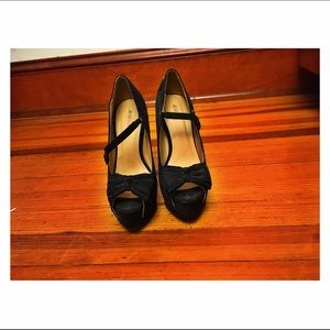 size 8 5 inch black heels from Just fab