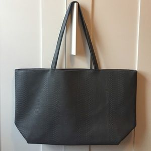 Bloomingdale's Handbags - Bloomingdale's Tote Bag